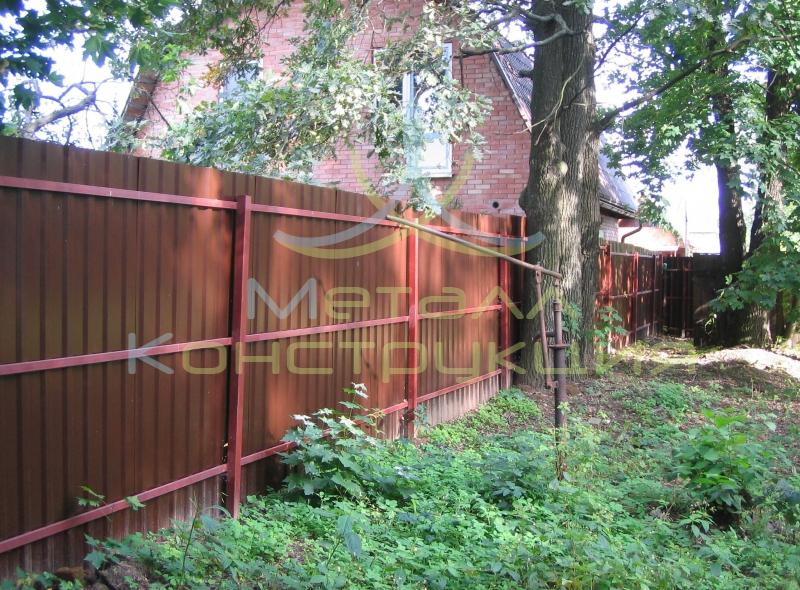 Поставить забор на участке